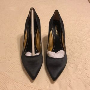 Nine West black satin pumps 6 1/2 New Out of Box